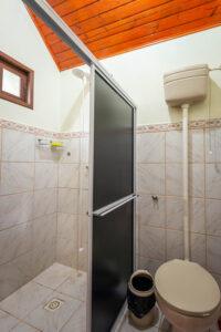 Banheiro do Chalezinho Pousada Alto São Martinho